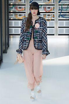 Fotos de Pasarela | Chanel, primavera-verano 2017 Primavera Verano 2017 Paris Fashion Week | 22 de 88 | Vogue