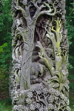 tree sculptural carving