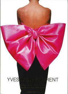 Yves Saint Laurent, par Collectif, publié chez Editions Prisma, 32 euros