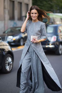 Gala Gonzalez in grey suit - Milan Fashion Week Spring 2016 Street Style Chic, Milan Fashion Week Street Style, Milan Fashion Weeks, Milan Street Styles, Look Fashion, Spring Fashion, Fashion Design, Fashion Trends, Net Fashion