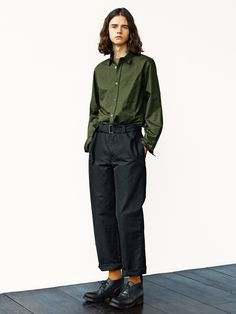Discover recipes, home ideas, style inspiration and other ideas to try. Androgynous Fashion Women, Looks Style, My Style, Look Man, Margaret Howell, Fashion Labels, Fashion Lookbook, Urban Fashion, Minimalist Fashion