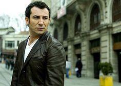 FERHAT GÖÇER İSTANBUL'DA    http://www.morjee.com/kultur-sanat/konser/ferhat-gocer-istanbulda.aspx?txtid=576