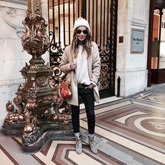 "JULIE SARIÑANA auf Instagram: ""Cozy, cozy """