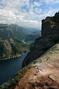View over Lysefjord during the climb to Preistokolen - one of the many places in Norway that made me think: wow! Aurora Norway, Land Of Midnight Sun, Gods Creation, Beautiful World, Finland, Denmark, Travel Destinations, Landscapes, Places To Visit