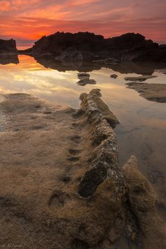 https://flic.kr/p/Fz8U2L | Make your way | jcfajardophotography.com/  Amanecer en Cala Pinets, usando filtro degradado inverso y filtro densidad neutra de 6 pasos  Sunrise in Cala Pinets, using reverse gradient neutral density filter and a 6-step