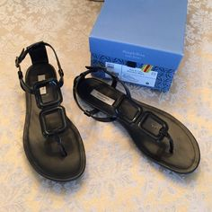 Black patent Vera Wang thong sandal EUC These are super cute and super comfortable and perfect for spring and summer--they will go with everything in your closet! All man made materials, the only flaw is a small worn spot on the left bottom. The soles are like new and I didn't wear more than a few times--great condition! I paid $13.49 and I am willing to share my awesome sale price with you!  Simply Vera Vera Wang Shoes