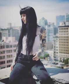 Tattoo artist, model and TV star Grace Neutral Dark Fashion, Fashion Beauty, Black Grunge, Grunge Hair, Looks Cool, Hair Today, Hairstyles With Bangs, Inked Girls, Goth Girls