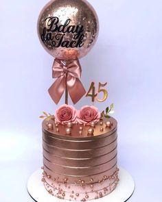 """Thamires Costa Bolos on Instagram: """"Balloncake queridinho ❤️ . . . . . . . . Ballontopper @g2rcomunicacaovisual . #balloncake #ballon #balons #tatadocesonho…"""" Golden Birthday Cakes, Ice Cream Birthday Cake, Beautiful Birthday Cakes, First Birthday Cakes, Birthday Cake For Women Simple, Bithday Cake, Balloon Cake, Edible Wedding Favors, Gold Cake"""
