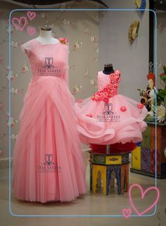 Ideas for baby fashion girl mom Mom Daughter Matching Dresses, Mom And Baby Dresses, Mom And Baby Outfits, Gowns For Girls, Dresses Kids Girl, Ootd Hijab, Hijab Outfit, Hijab Mode, Baby Birthday Dress