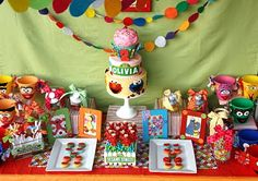 sesame-street-elmo-birthday-party-idea-how-to-cake-buffet-dessert-candy.jpg Photo: This Photo was uploaded by kidswallcreations. Find other sesame-stree. Seasame Street Party, Sesame Street Birthday, Small Birthday Parties, Birthday Party Themes, Birthday Ideas, Birthday Stuff, Fiestas Party, Elmo Party, Monster Party