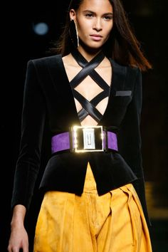 Balmain Fall 2015 Ready-to-Wear : Details Check more at http://www.blogyblog.net/balmain-fall-2015-ready-to-wear-details/