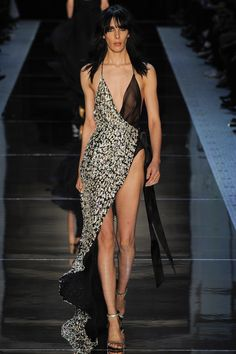 Alexandre Vauthier Spring 2016 Couture Jamie Bochert without sequins frictio is a much bettervision than the look befor, even if I loved as a picture.