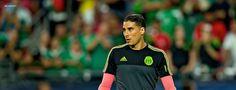 Guillermo Ochoa es candidato para llegar al Espanyol