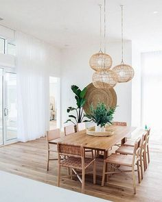 30 Incredible Chic Boho Dining Room Decor Ideas With Rustic Style 30 Unglaubliche Chic Boho Esszimmer Dekor Ideen mit rustikalem Stil Boho Dining Room, Dining Room Table Decor, Dining Room Design, Dining Rooms, Dining Suites, Design Room, Design Kitchen, Chair Design, Dining Room Inspiration