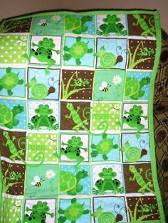Frog baby quilt, love this.