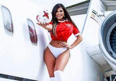 Мисс Бум-Бум пообещала российским футболистам особую фотосессию