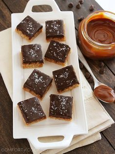 Salted Caramel Chocolate Rice Krispie Treats, a favorite at the Room & Board offices. Rice Crispy Treats, Krispie Treats, Rice Krispies, Yummy Treats, Sweet Treats, Salted Caramel Chocolate, Chocolate Caramels, Chocolate Ganache, Eat Dessert First