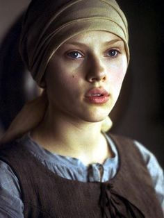 Actress_Scarlett_Johansson_as_Johannes_Jan_Vermeers_Girl_With_Pearl_Earring.jpg (300×400)