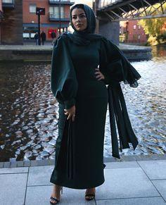 love those sleeves Fall Fashion Outfits, Modest Fashion, Hijab Fashion, Girl Fashion, Hijabs, Habiba Da Silva, Muslim Women Fashion, Outfit Look, Hijab Chic