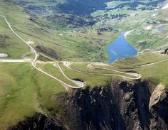 12 best motorcycle roads in America