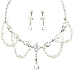 Traditional+Alloy+with+Pearl+and+Colorful+Rhinestone+Jewelry+Set(Including+Necklace+and+Earrings)