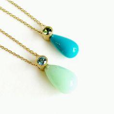 Det'nlarsens billede. Minimalist Jewelry, Fine Jewelry, Jewellery, Garnet, Gems, Pendant Necklace, Turquoise, Pendants, Charlotte