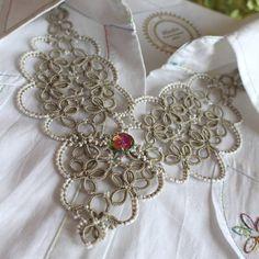 "102 Likes, 3 Comments - BlissArt (@bliss_art_hm) on Instagram: ""#blissarthm #фриволите #анкарс #колье #tattinglace #вечерниеукрашения #jewellery #handmadejewelry…"""