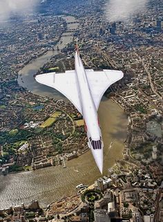 Return of the supersonic commercial air travel: 20 yrs after the grounding of the Concorde, 3 startups aim to begin faster-than-sound flights. Concorde flying over London! Sud Aviation, Civil Aviation, British Airways, Concorde, Passenger Aircraft, Chula Vista, Commercial Aircraft, Aircraft Pictures, Air France
