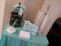 Breakfast at Tiffanys Baby shower sign in table pearl game instead of clothes pins