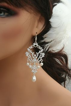 Pearl+bridal+chandelier+earrings+Statement+by+ElegantAvenues