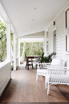 Café Exterior, Exterior Paint, Interior And Exterior, Exterior Colors, Coastal Style, Coastal Decor, Coastal Entryway, Coastal Rugs, Modern Coastal