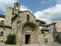 Blesle Haute Loire  l'église Saint-Pierre