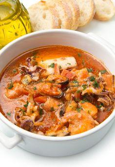 Przepis na gulasz rybny Seafood Dishes, Seafood Recipes, Jambalaya, Mediterranean Recipes, Italian Recipes, Cooker, Main Dishes, Good Food, Food And Drink