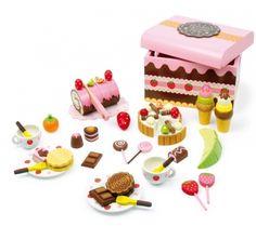 Achetez Caisse de friandises en bois - Jeu de dinette - marchande - 39 pièces colorées ! sur Pixmania. Dans cette ravissante caisse en bois vernie à couvercle, les enfants trouvent un assortiment vari