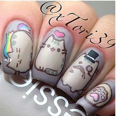 Omg! Pusheen nails!!