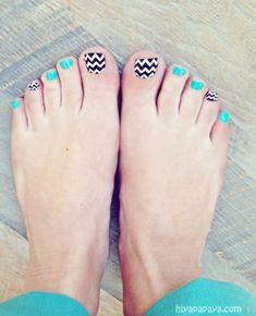 chevron nails // chevron pedicure ideas // turquoise and chevron pedicure and nail art Cute Toe Nails, Cute Toes, Love Nails, How To Do Nails, Fun Nails, Pretty Nails, Happy Nails, Style Nails, Toe Nail Designs