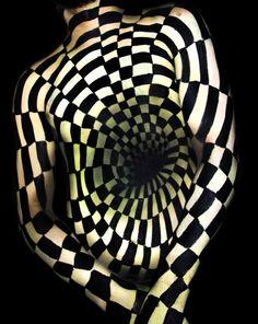 ILLUSION #3 (White) / Optical Illusion Body painting by Natalie Fletcher