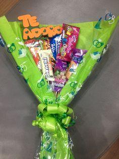 Ribbon Crafts, Diy Crafts, Diy Organisation, Candy Bouquet, Candyland, Graduation Gifts, Ideas Para, Boyfriend, Valentines