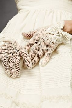 BHLDN Attire Wedding Accessories - Unabashedly Gloves These tea-stained crochet gloves are made even more femme by the beaded-and-sequined grosgrain bows gra Vintage Crochet, Vintage Lace, Crochet Lace, Crochet Wedding, Cotton Crochet, Crochet Gloves, Lace Gloves, White Gloves, Women's Gloves