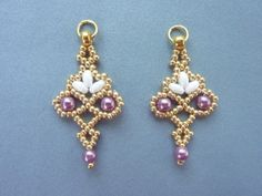 Lacy Twin Floret Earrings w/ twin or Superduo beads,11/0s  and 4mm pearls.  ~ Seed Bead Tutorials