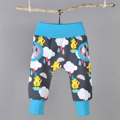 Patron de couture de PDF pour fausse poche de pantalon, bébé et enfant en bas âge tailles. Il sagit dun modèle simple et tellement adorable !    Vous aurez besoin :    -Tricot pour les jambes, je préfère le coton / jersey lycra. ---0.5 yards de tissu pour les tailles 0-3 M à 12-18 M---0.75 yards de tissu pour les tailles 18-24 M à 5-6 t    -Tissu pour la ceinture et poignets en tricot::: tricot côtes ou un autre tricot stable et extensible    ---0.25 yards pour toutes les tailles    -Ma...
