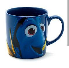 Dory coffee mug I freakin love Dory!!! Disney Coffee Mugs, Coffee Geek, Cute Coffee Mugs, Cool Mugs, Tea Mugs, Coffee Cups, Disney Cups, Disney Souvenirs, Animal Mugs