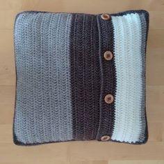 Dit is de achterkant van mijn woonkussen in reliefsteek met houten kralen, maar deze kant kan ook als voorkant gebruikt worden. Taupe, Men Sweater, Sweaters, Beige, Men's Knits, Sweater, Sweatshirts, Pullover Sweaters, Pullover