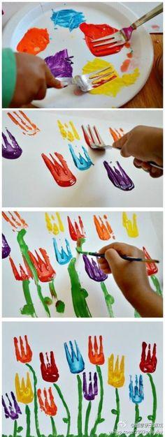 任何材料都可以成为画画的工具哦,一朵朵小的郁金香,所谓启蒙,我们最该做的是,让孩子知道它好玩儿在哪。