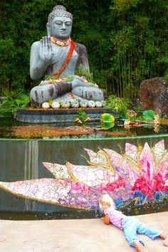 Buddha Statue at the Crystal Castle, Byron Bay - Australia. Must go here next trip to Byron Statues, Places To Travel, Places To Go, Buddha, Crystal Castle, Meditation, Family Destinations, Holiday Places, Australia Travel