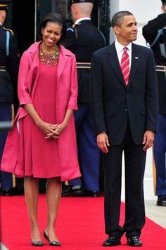 Michelle Obama Fashion, Michelle And Barack Obama, Joe Biden, Durham, Obama Family Pictures, American First Ladies, American Pride, Presidente Obama, Barack Obama Family