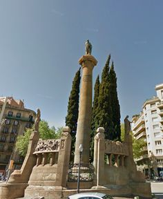 Jacinto Verdaguer was a Spanish writer and was considered one of the great Catalan Poets during the Romantic Era. The Placa de Mossen Jacint Verdaguer was constructed by Joan Borrell and Josep Maria Pericas in 1912. The column in the center is surrounded by Verdaguers most famous works. The monument can be found in the Eixample district by the Verdaguer Metro stop.