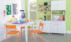 Tok&Stok Cozinha Ouse em cozinhas compactas: móveis funcionais e cores vibrantes são sempre bem-vindos.