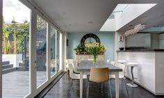 A unique refurbishment of an Georgian home in Pimlico, extension and conversion by Landmark Lofts Georgian Kitchen, Georgian Homes, Loft Conversion Gallery, Kitchen Conversion, Home Improvement Show, London House, Roof Light, House Extensions, Modern Spaces