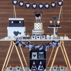 mini table masha e urso Anniversary Decorations, Diy Birthday Decorations, Anniversary Parties, Creative Desserts, Party Snacks, Valentines Diy, Kids Decor, Dessert Table, Party Time